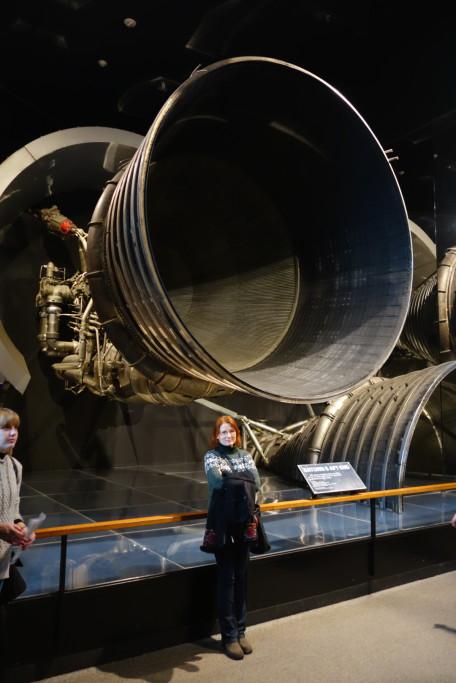1 z 5 raketových motorů 1. stupně Saturnu 5